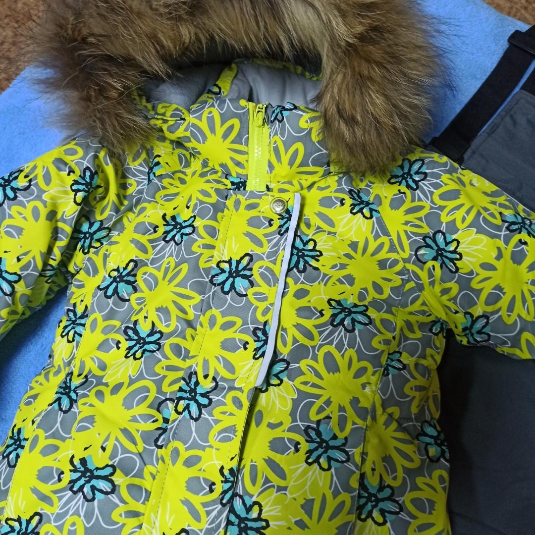 Зимний теплый костюм для девочки. В комплект входит термокуртка и штаны полукомбинезон на отстежных подтяжках