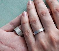 Можно ли покупать серебряные кольца на свадьбу