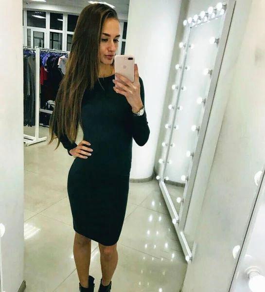 Платье черное облегающее до колена трикотаж