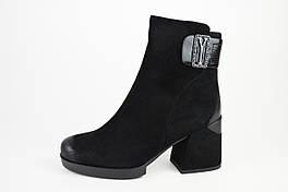 Ботинки на каблуке Bacyni 7790  37 черные замш-велюр