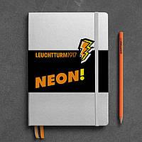 Блокнот Leuchtturm1917 NEON Середній (14,5х21 см) Срібний/Помаранчевий Крапка (361391), фото 1
