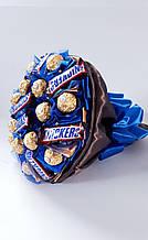 Букет с конфетами Ferrero Rocher Snickers Бум
