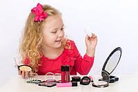 Стоит ли иметь детские косметические наборы на прилавках магазинов?