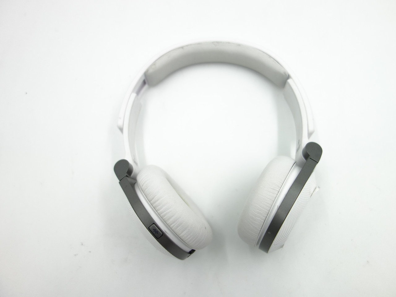 Наушники Harman JBL E 40 BT (white)