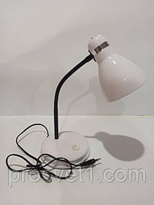 Лампа настольная на подставке 60w E27 белый
