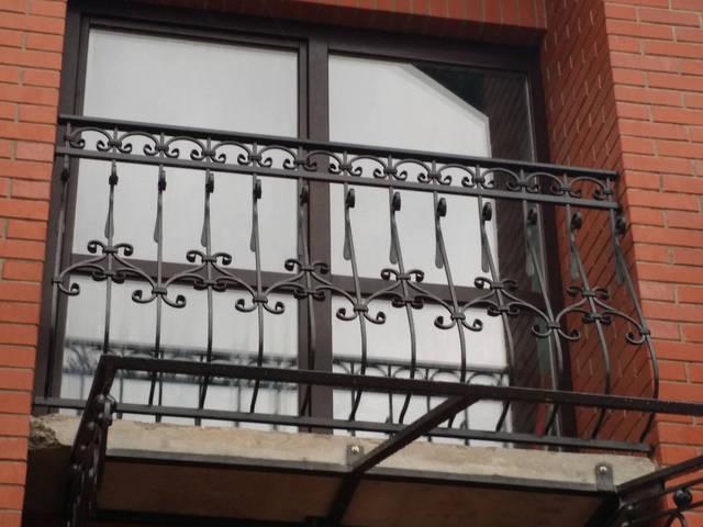 Кованые перила на балкон 5