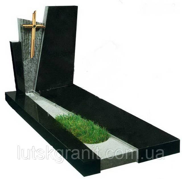Встановлення пам'ятників у Гараздже