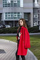 Осеннее женское пальто красное