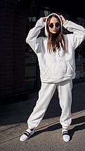 Женский белый зимний спортивный костюм
