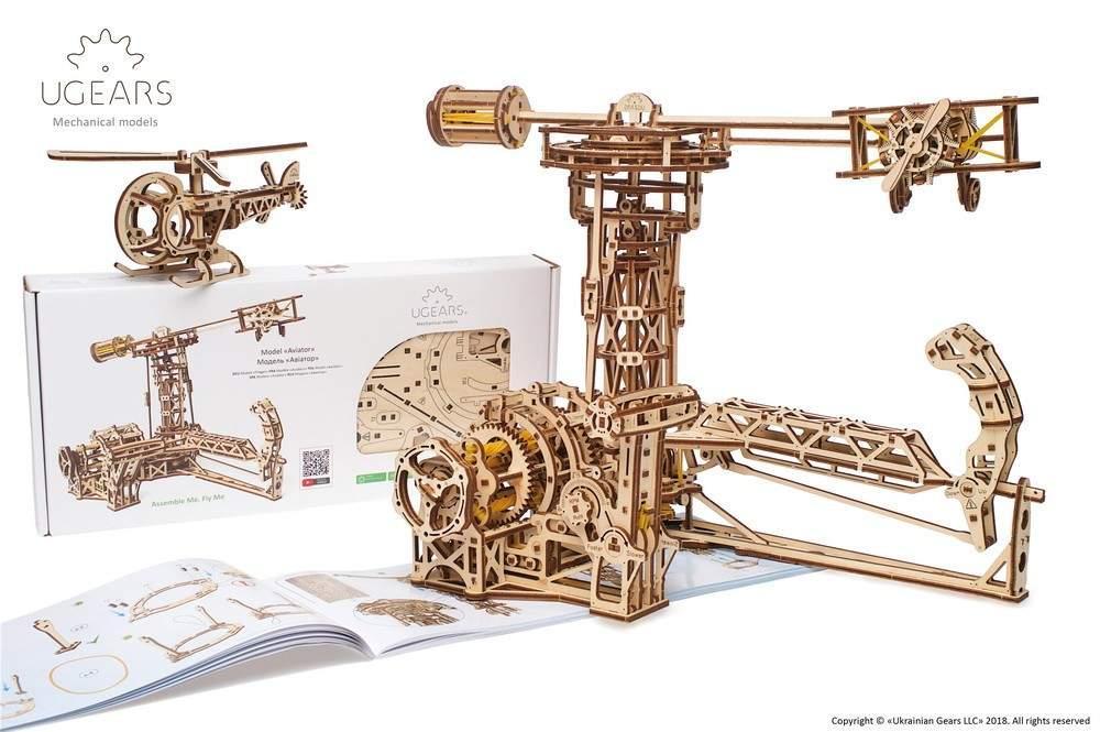 Авиатор UGears (726 деталей) - механический деревянный 3D пазл конструктор