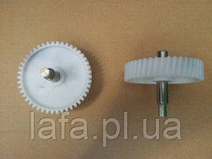 Шестерня D-81 мм с металическим штоком и косыми зубъями к мясорубкам и кухонным комбайнам