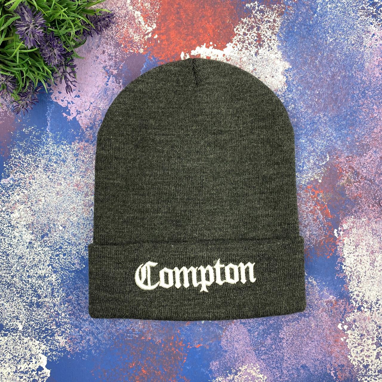 Темно- серая шапка Compton