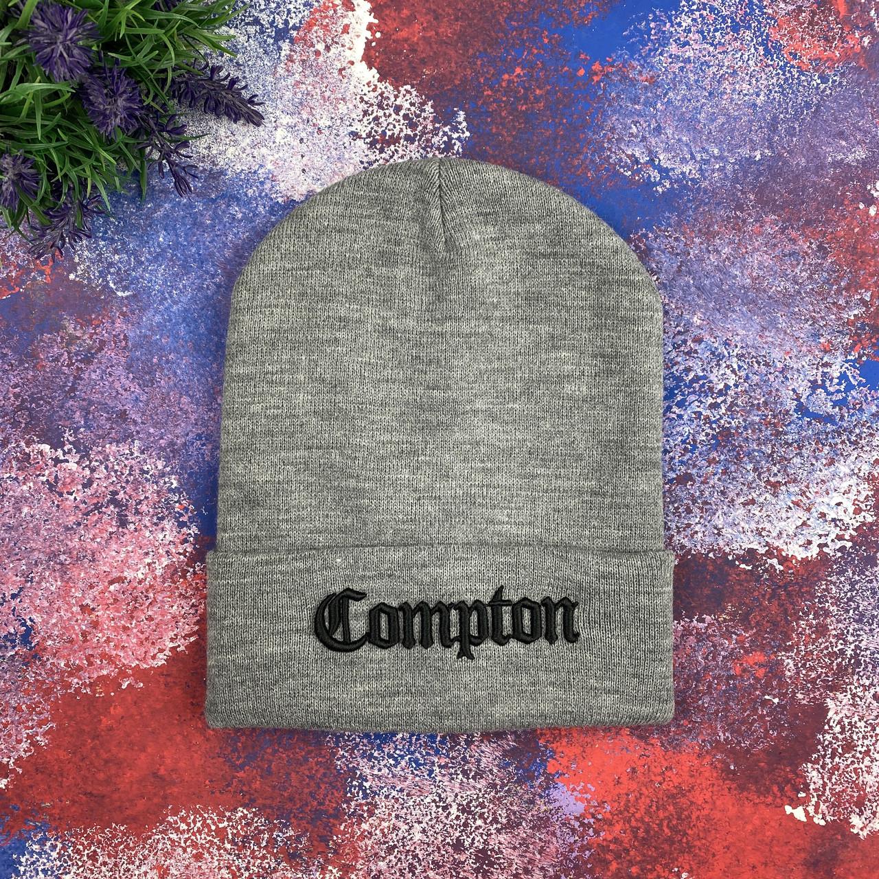Серая шапка Compton