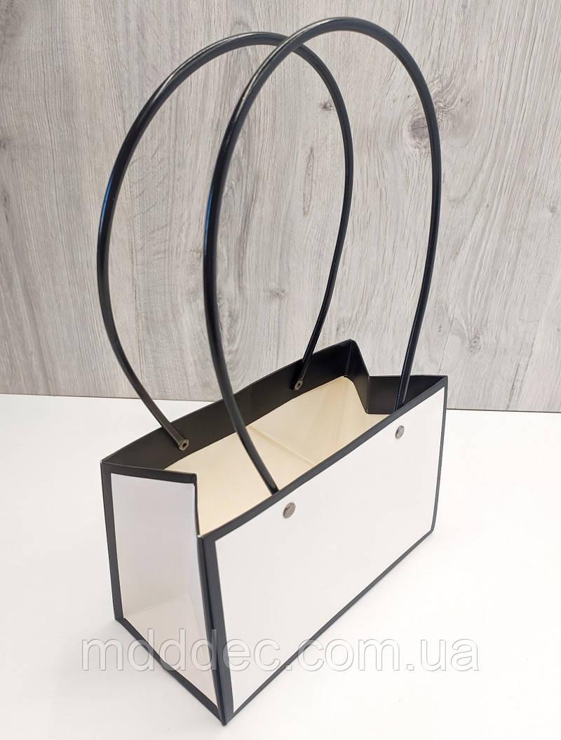 Сумка картонная с ручкой для Цветов и подарков  Черно-белая