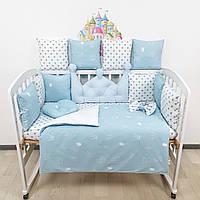 Комплект бортиков и постельного в кроватку с большой короной в голубых тонах., фото 1