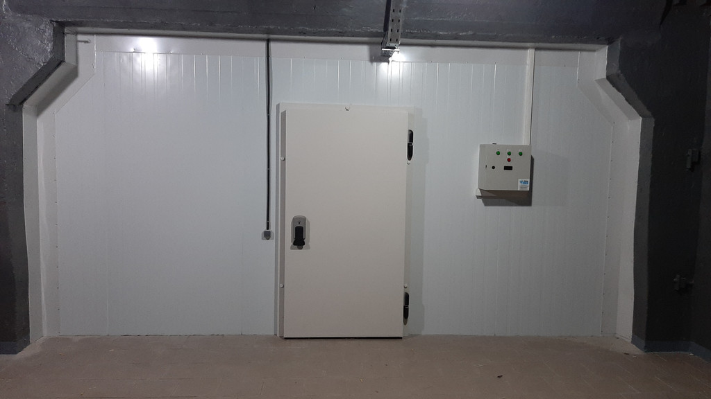 Холодильная камера для пищевого сырья. Mr.Pops (г.Днепр)