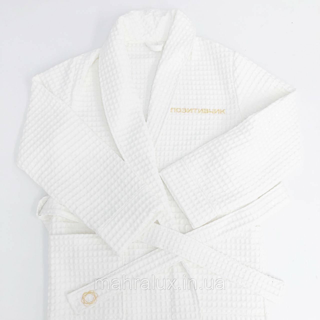 Вышивка на халатах для массажных салонов