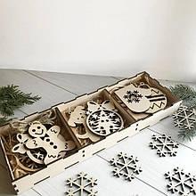 Набор елочных игрушек в коробке. Деревянные елочные игрушки новогодние