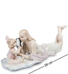 Статуэтка фарфоровая Pavone Мама с дочкой 26 см 1107004