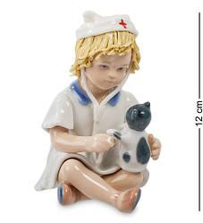 Статуэтка фарфоровая Pavone Юный доктор 12 см 1104579
