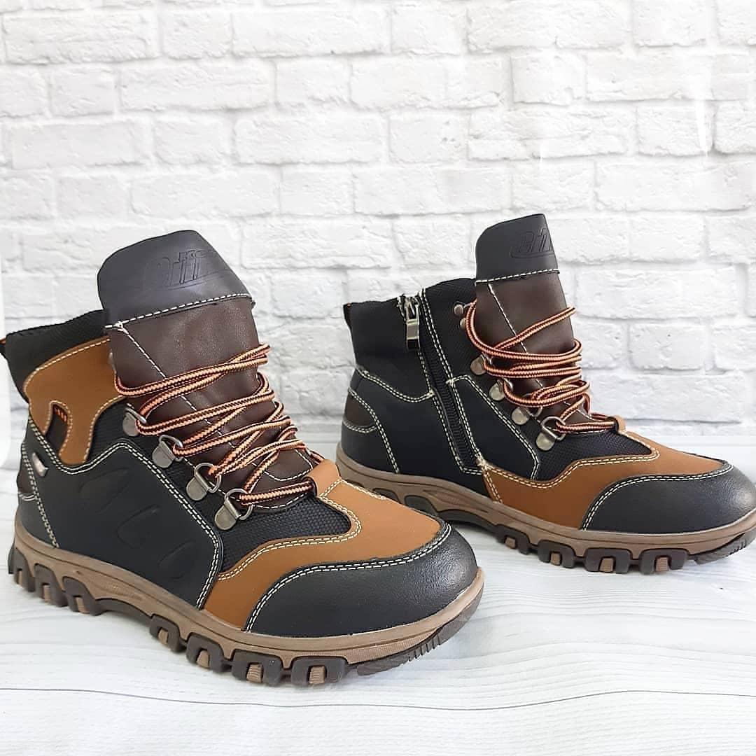 Черевички для хлопчика(демо) на шнурівках та замочку. Розмір:32-37.