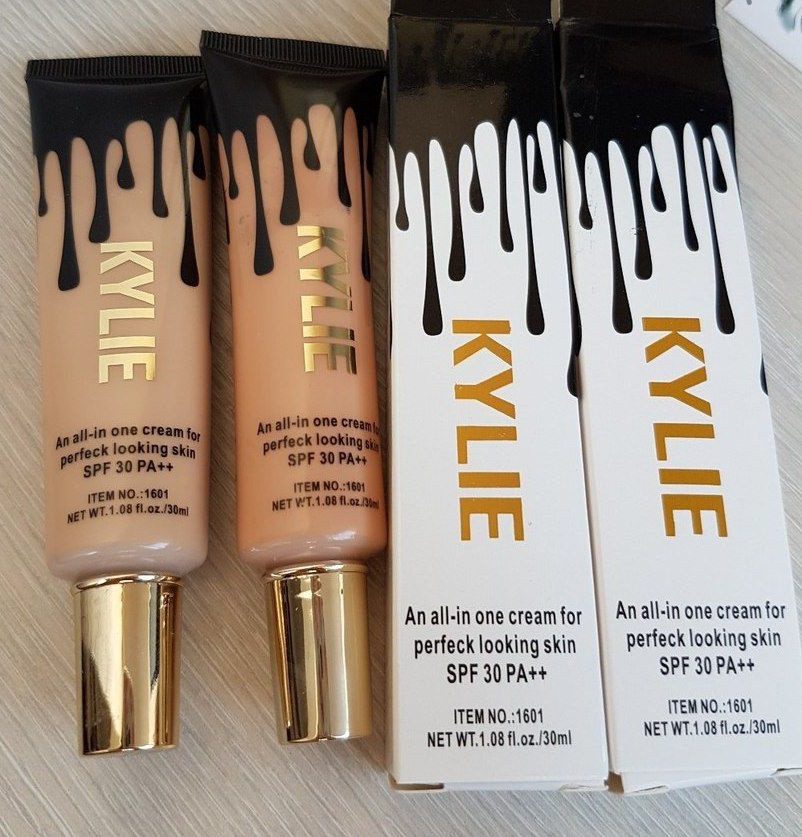 Тональный крем Kylie An All - In One Cream For Perfect Looking Skin SPF 30 PA.
