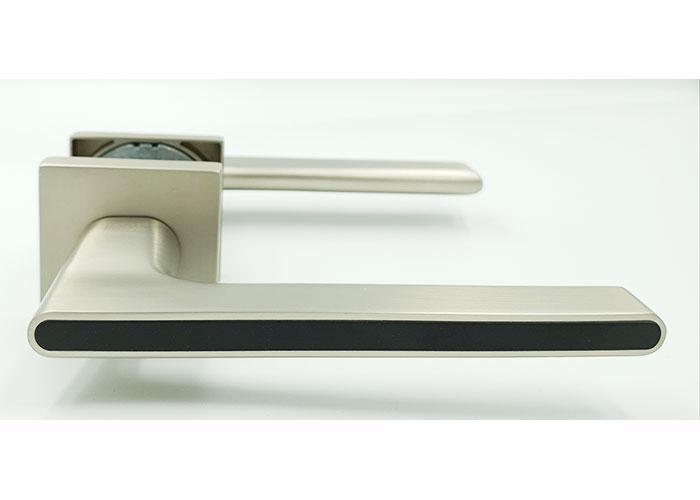 Ручка на квадратной розетке Trion ЦАМ RADIANT color1