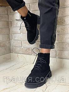 Модні жіночі замшеві черевички на підборах зі шнурівкою