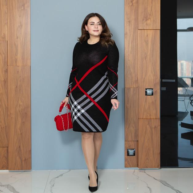 Теплое БАТАЛЬНОЕ вязаное платье миди с геометричным принтом с 44 по 62 размер