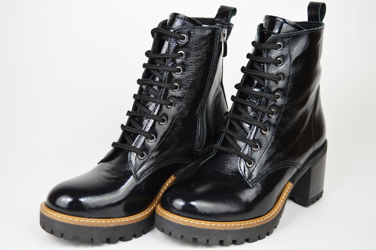 Ботинки лаковые на каблуке Evromoda 2621 черные кожа