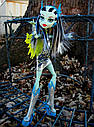 Кукла Monster High Фрэнки Штейн (Frankie Stein - Voltageous) из серии Power Ghouls Монстр Хай, фото 9
