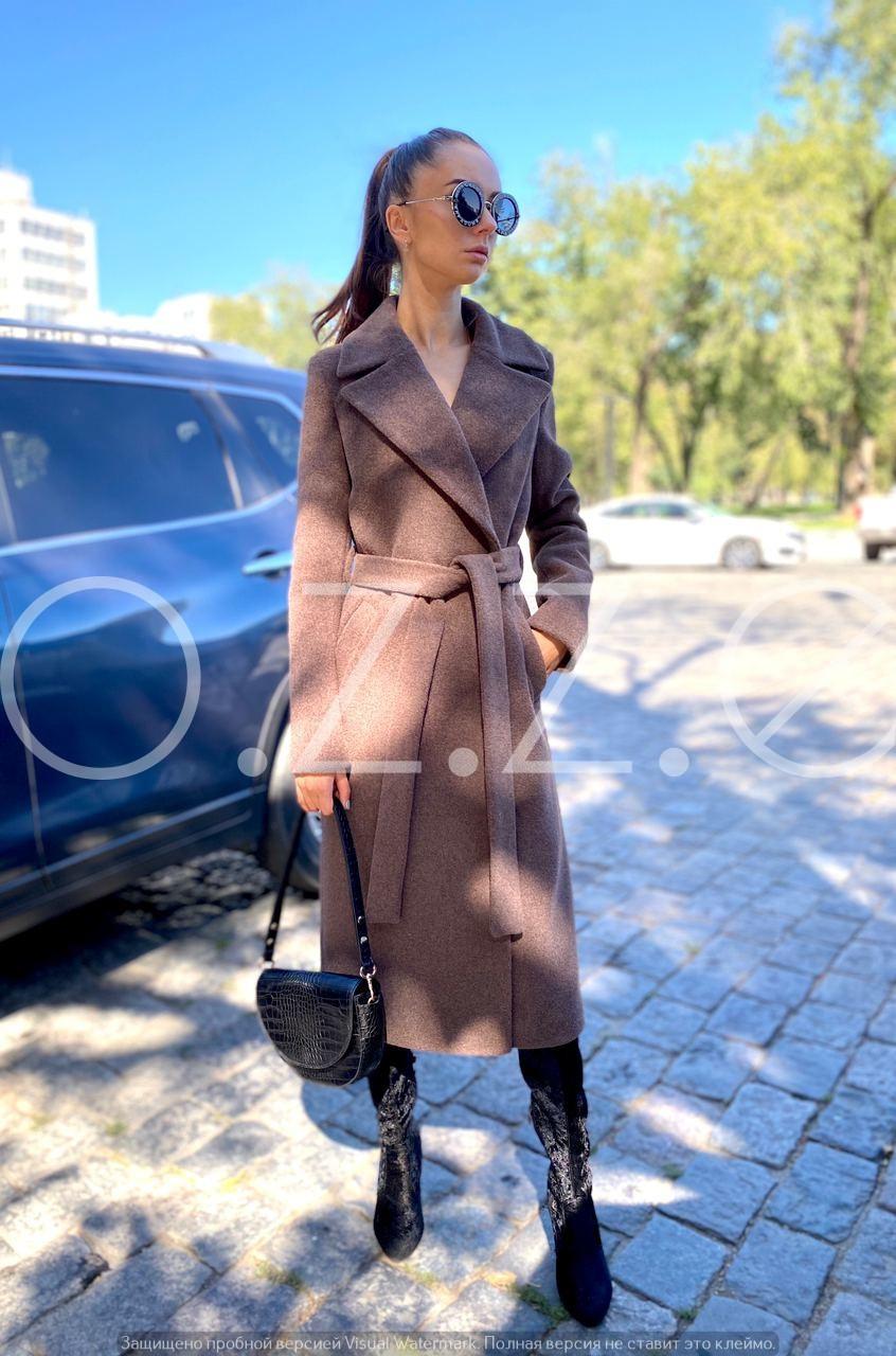 Актуальное демисезонное пальто миди классического кроя