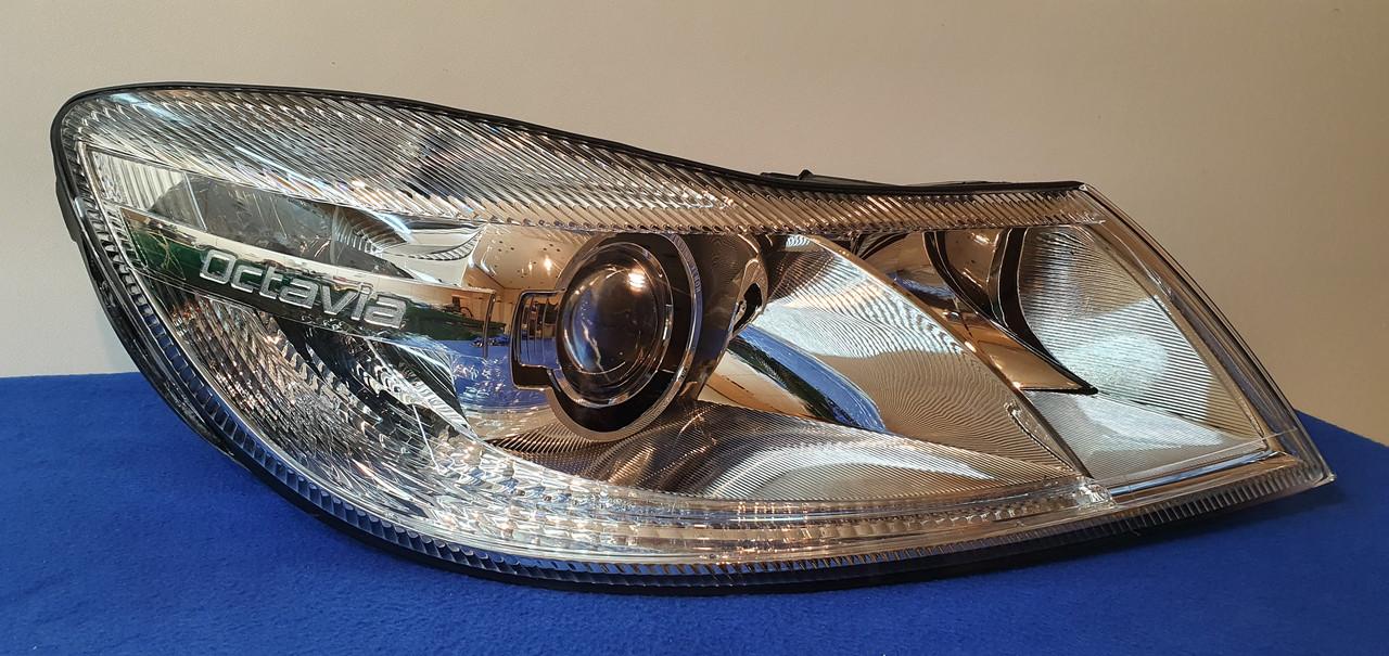 Фара передняя правая Skoda Octavia A5 AFS XENON