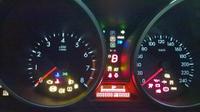 Правильно розшифровуємо незнайомі значки на приладовій панелі автомобіля