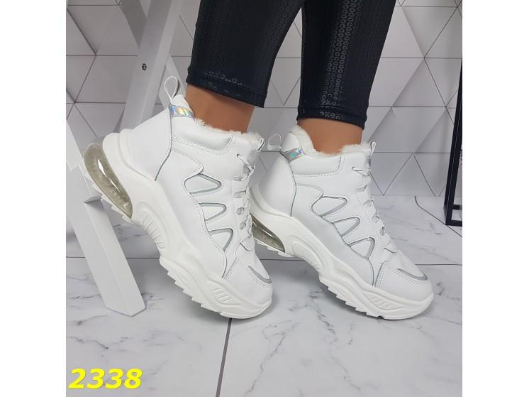 Зимние кроссовки белые на амортизаторах компенсаторах К2338