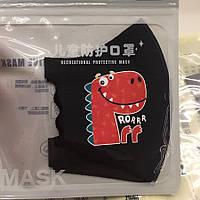 Детская многоразовая защитная маска Pitta черного цвета с рисунком