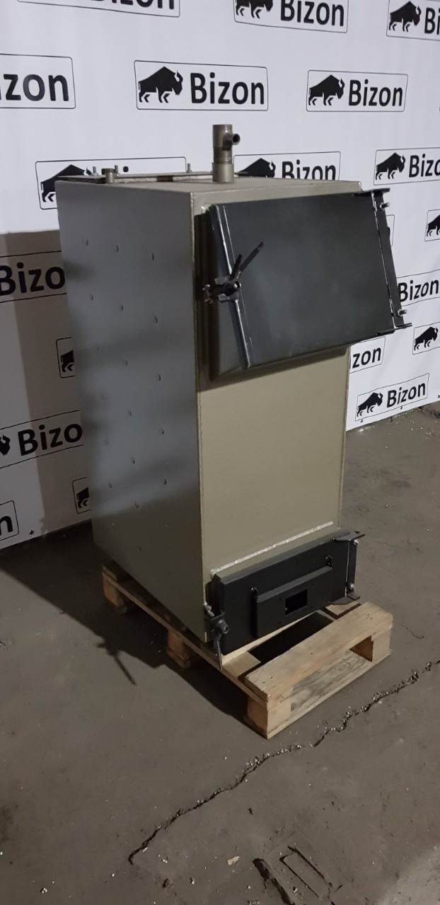 Котел шахтного типа Bizon F-10 фронтальный 10 кВт, 5 мм