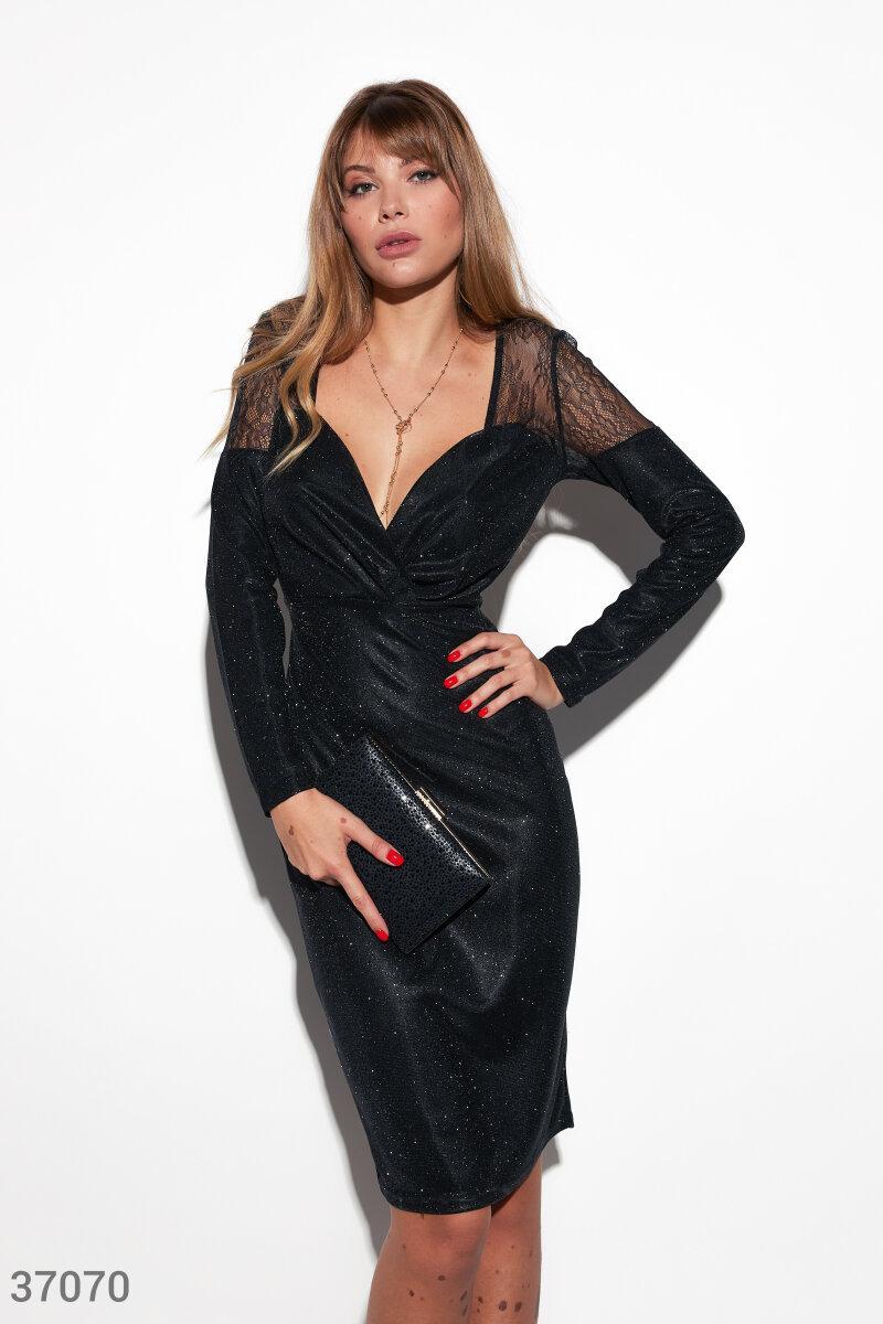 Блестящее нарядное платье футляр черное