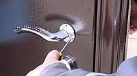 Как снять дверные ручки на межкомнатных и входных дверях