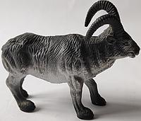 Игрушка резиновая козел