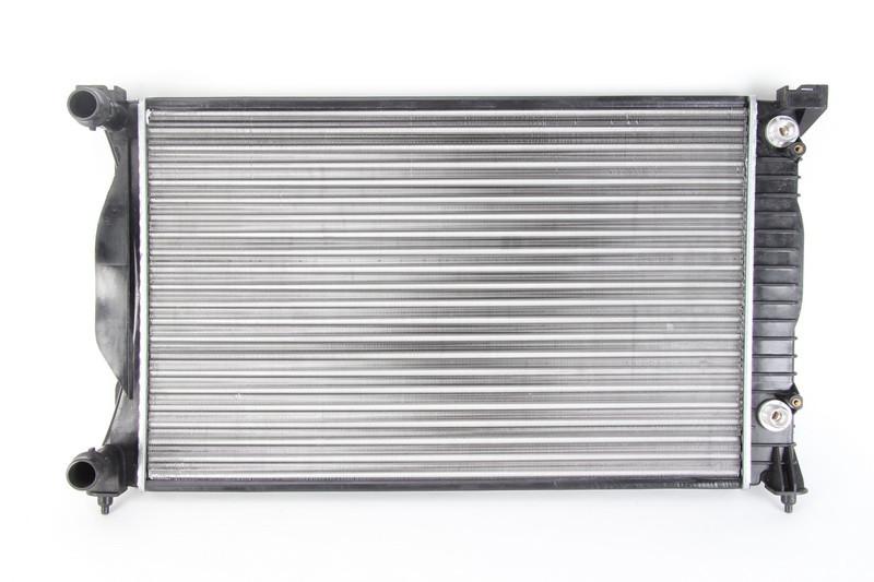 Радиатор охлаждения двигателя Audi A4 B7 2004-2008 (1.6, 1.9TDI, 2.0, 2.0TDI, 2.0TFSI) 632X399X26 по сотах