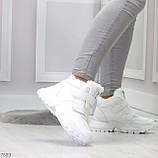Удобные молодежные белые зимние женские черные кроссовки на липучках, фото 9