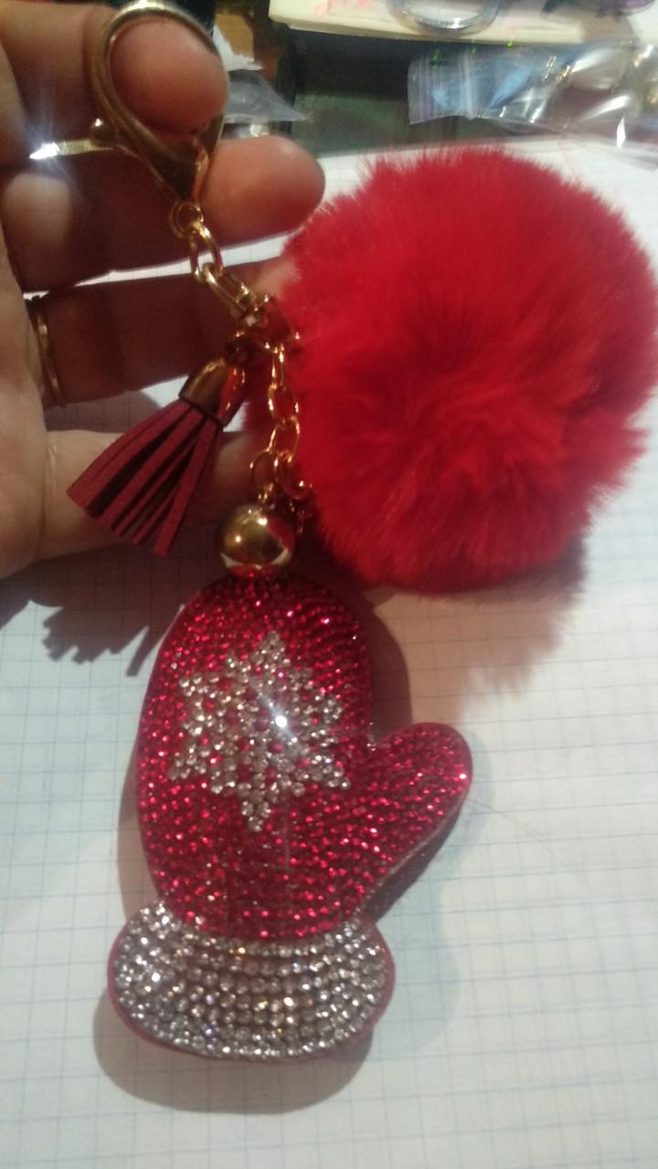 Брелок пушок бубон красный варежка снежинка кисточка круто празднично