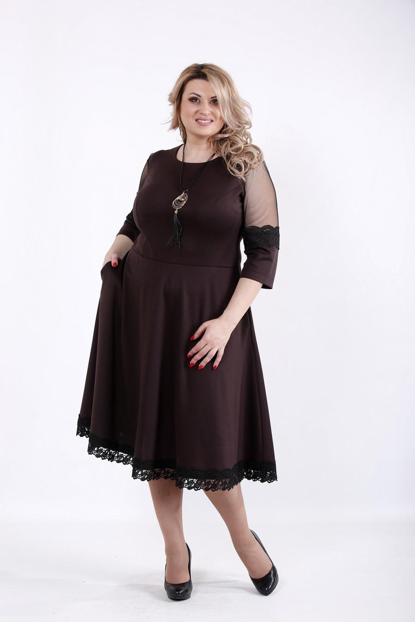 Приталенное платье для полных шоколад