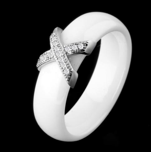 Керамическое белое женское кольцо с кристаллами код 1370