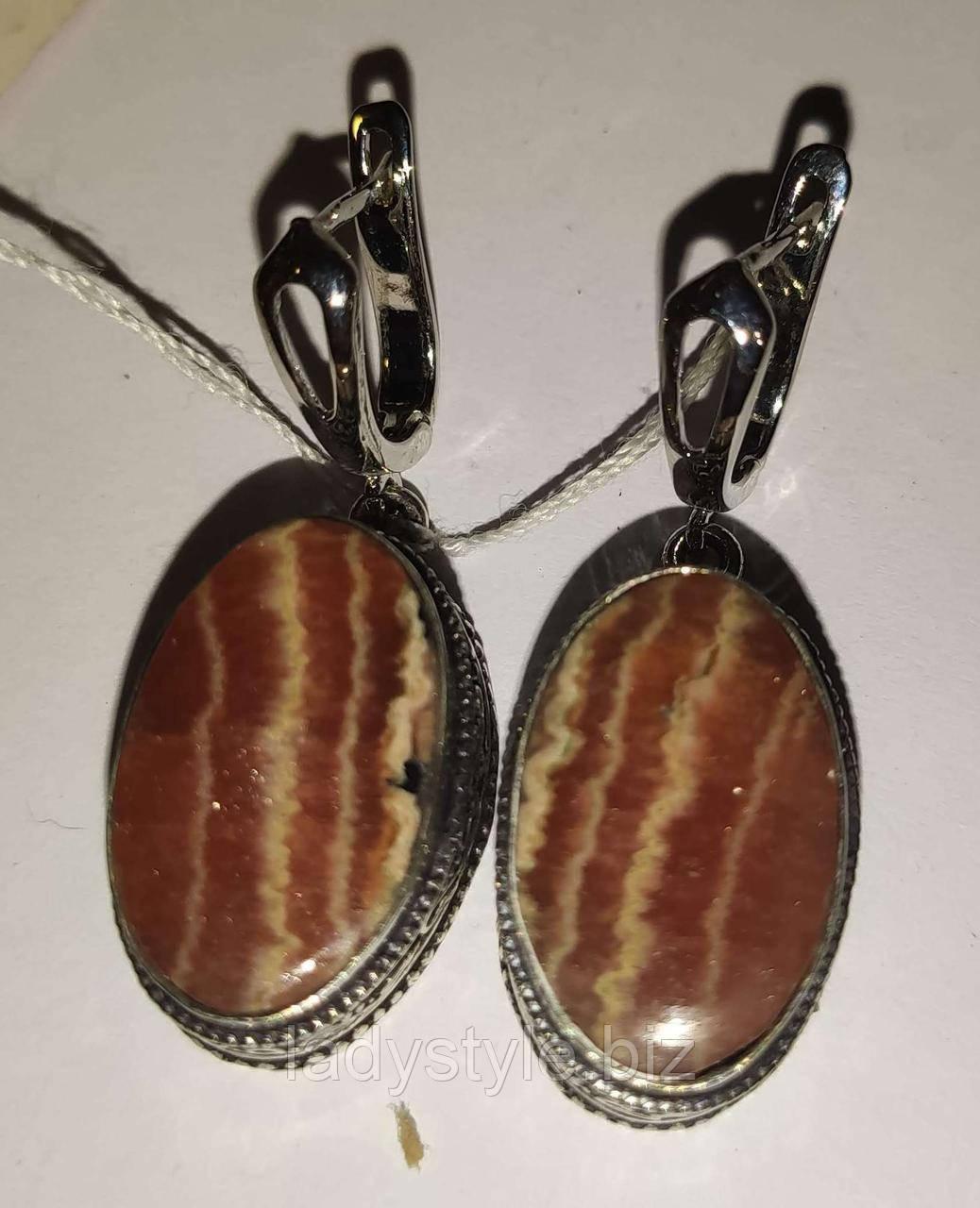 Серебряные овальные серьги с родохрозитом