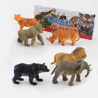 Животные пластиковые
