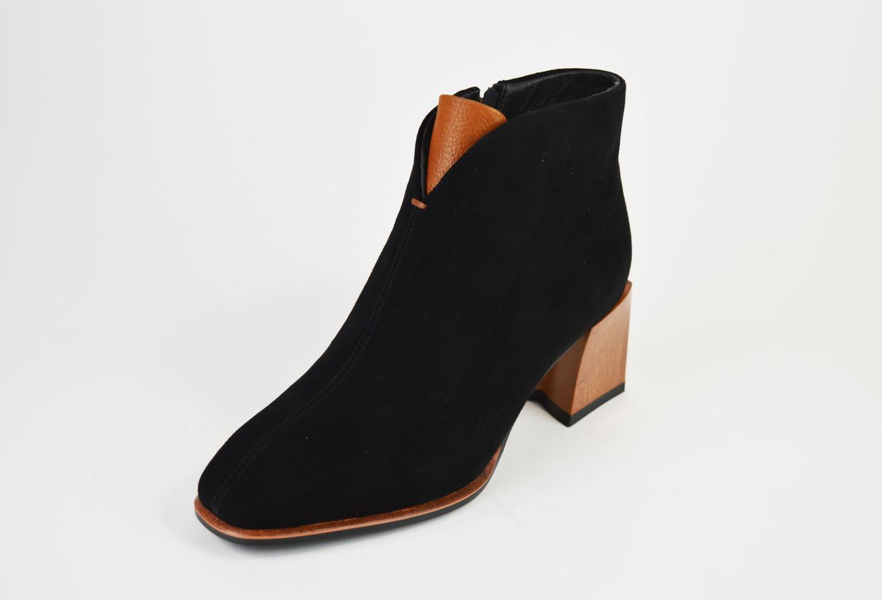 Ботинки на каблуке Lady Marcia 8130 Замша
