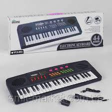 Пианино YYX 001  на батарейке , работает от сети 220 V