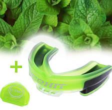 Капа боксерская взрослая для защиты зубов с ароматом мяты (цвет зеленый) чехол в комплекте